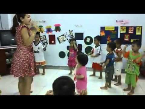 Cô giáo Phương Anh dạy múa - Tôi đã khóc khi xem clip này