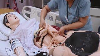Cansız Mankenle Gerçek Doğum Provası - Hi-tech
