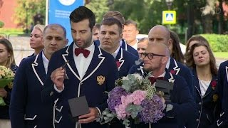 Вечерний Ургант. Пролог. Церемония награждения (02.09.2016)