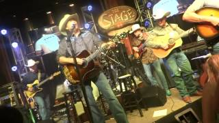 Alan Jackson - Gone Country (Live)