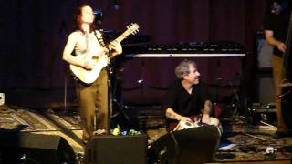 Ani DiFranco - She Says (Grass Valley, CA 4/9/11)