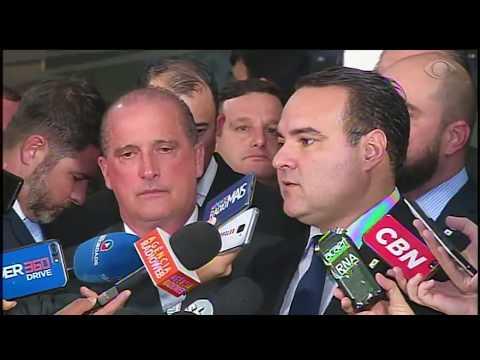 Bolsonaro revoga decreto das armas e publica novas regras