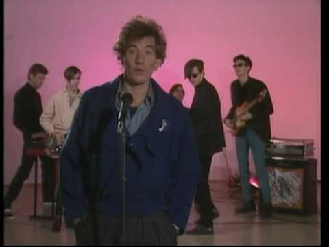Back when MTV was cool - Sir Ian McKellen reciting Shakespeare over legendary punk band The Fleshtones on Andy Warhol's TV show