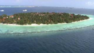 preview picture of video 'Vadim is Flying Over Maldives... and Beyond'