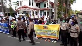 Demo Buruh Di Mapolda Kalsel, Ini Tuntutan Mereka
