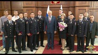 В.А.Колокольцев наградил сотрудников полиции, совершивших героические поступки
