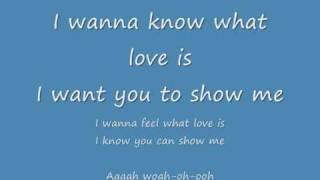 I want to know what love is - Foreigner (Lyrics).
