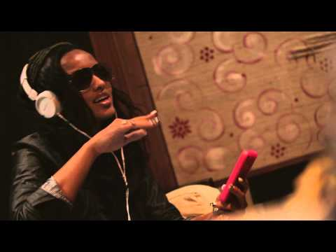 Ooh Gee La Wiz Khalifa LoLa Monroe Juicy J (Ooh La La La Remix)