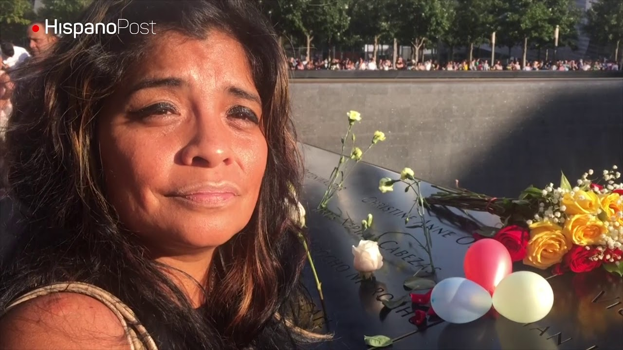 Familiar de caído el 11-S mantiene tradición de honrarlo con flores