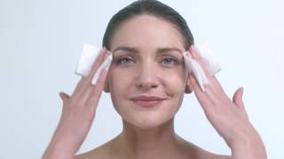 How to apply the Avene Thermal Spring Water spray
