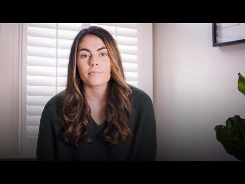 צעירה שנדבקה בקורונה בכוונה מסבירה על ניסויי אתגר אנושיים