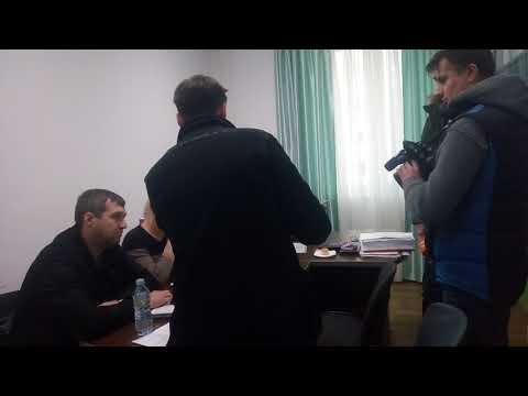 директор УК отказывается предоставлять документы на общее имущество собственников