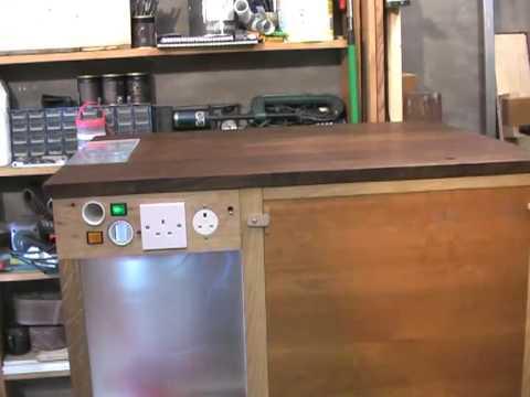 DIY Dust Extractor Keeps Your Workshop Sparkling