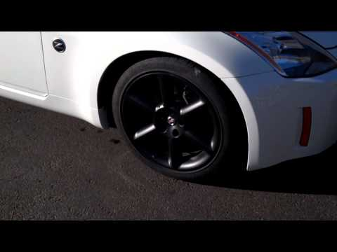 350Z with plasti dipped rims and carbon fiber vin