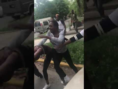 chicago girls street fight:  police fail to handle a girls gang fight 2019