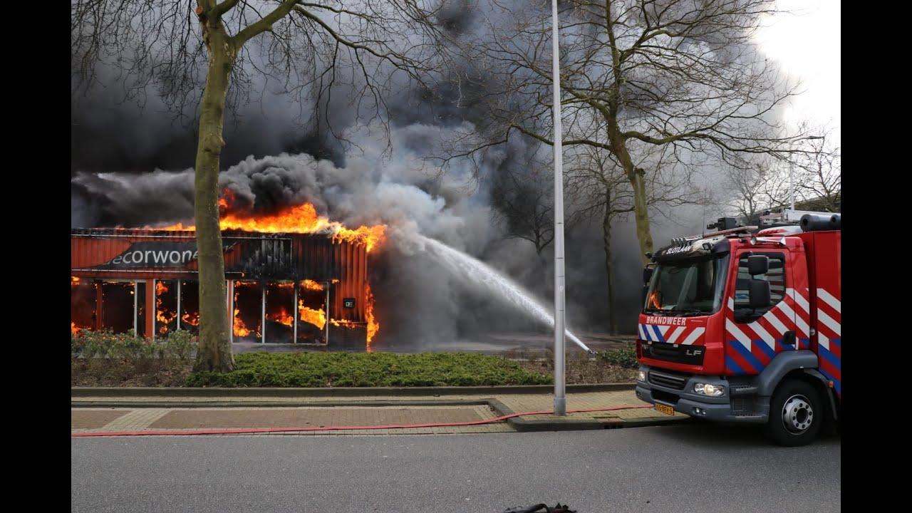 Zeer grote #industriebrand GRIP 2 Lylantse Baan #Capelle aan den IJssel