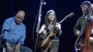Ani DiFranco - God's Country - shared mic (Redding 10/11/16)