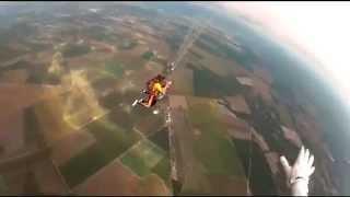 Startin' Sport - Anne saute en parachute