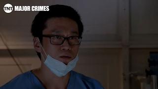Extrait  VO - Le chirurgien est arrêté