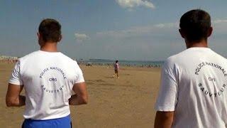 Франция: полиция пойдет на пляж с пистолетами