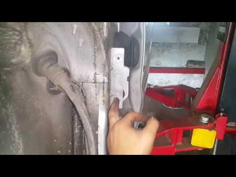 Как снять переднее крыло на AUDI A4 B5 кузов