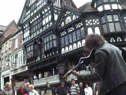 Niesamowity uliczny skrzypek