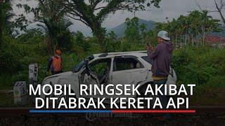 Tabrakan Kereta Api Vs Daihatsu Terios di Padang, Sopir Dilarikan ke Rumah Sakit