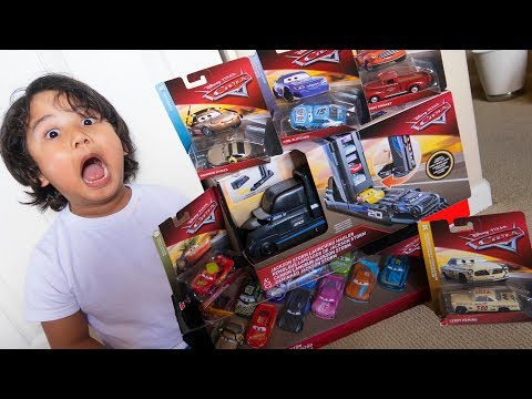 Unboxing NEW 2019 DISNEY CARS 3 TOY HAUL MICHAEL ROTOR MINI RACERS CIGALERT CRUISIN MCQUEEN