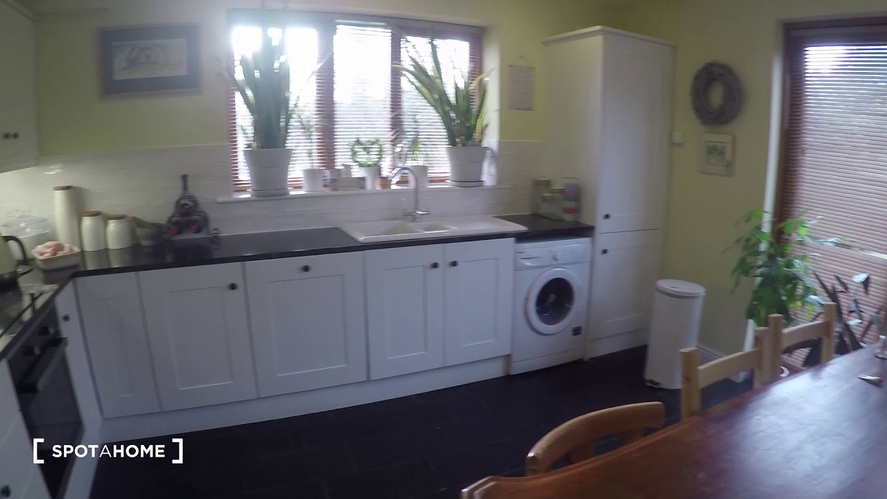 Double bed in Room for rent in charming 3-bedroom house in Castleknock