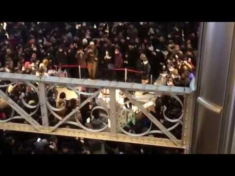 東京駅100周年記念Suica販売が突如中止!その直後の大混乱映像!