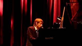 The Divine Comedy - Neil Hannon solo - Montpellier Sept 24th 2011 3/8