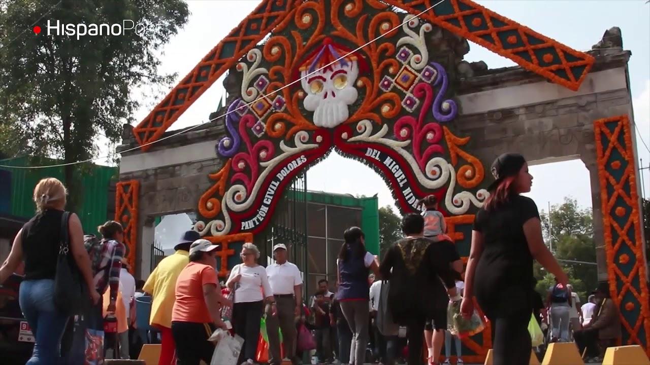 Mariachis, color y alegría: Así celebraron a los muertos en México