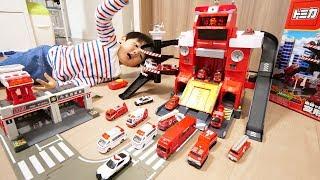 トミカ 変形ファイヤーステーション Toy Cars Transformation Fire Station