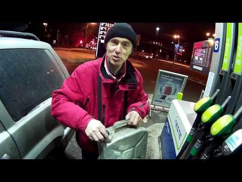 Das Benzin oder der Dieselmotor porsche makan