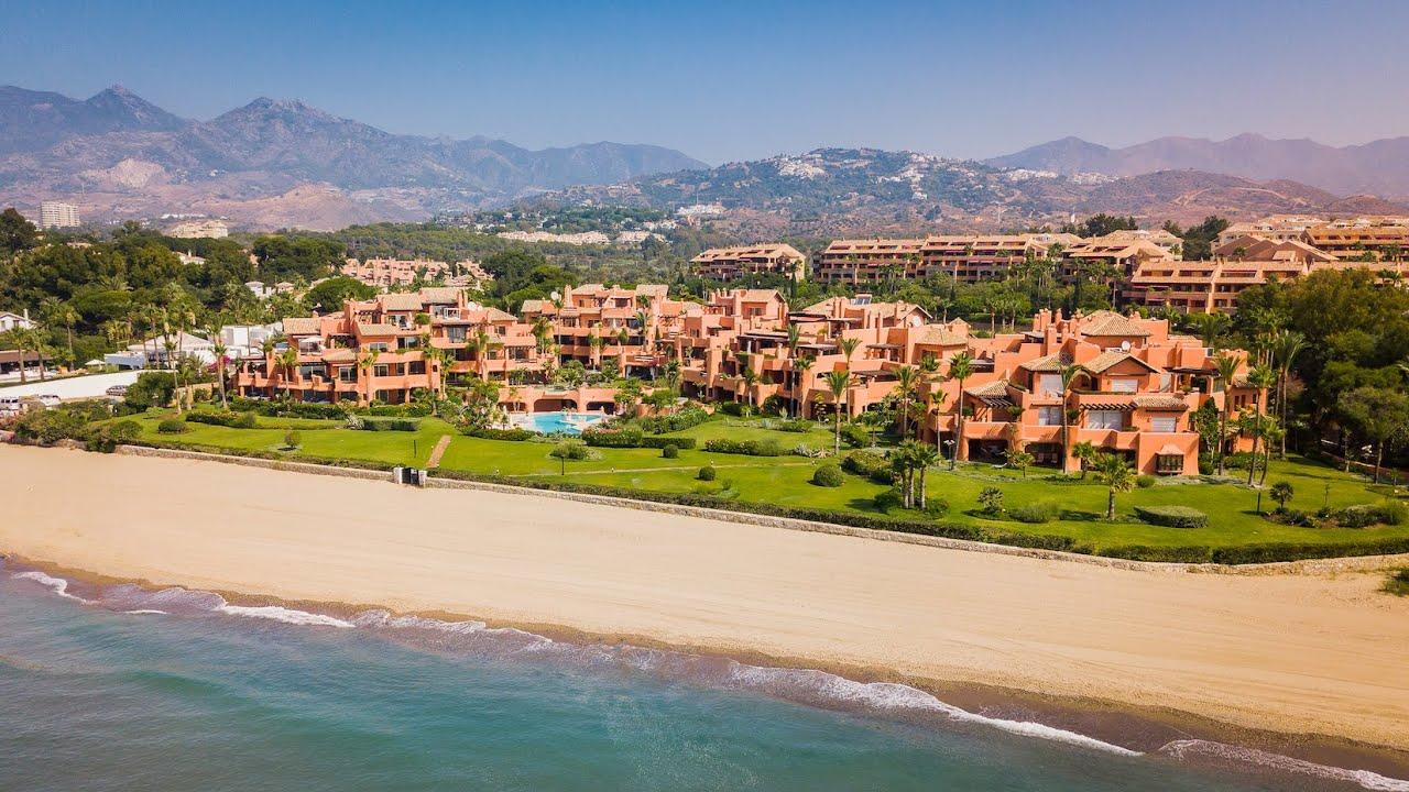 Nuevo apartamento en primera línea de playa de 2 dormitorios con preciosas vistas al mar en venta en La Morera, Marbella Este