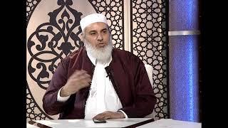 من دخل المسجد لصلاة العشاء، فصلى مع الناس ثم تبين أنهم يصلون التراويح، ماذا عليه أن يفعل؟
