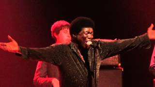 Charles Bradley - The World (Is Going Up In Flames) (Live @ La Cigale, Paris) [2012-04-26]