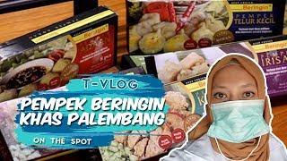 VLOG   Berkunjung ke Pabrik Oleh-oleh Khas Palembang Pempek Beringin dan Lenggok
