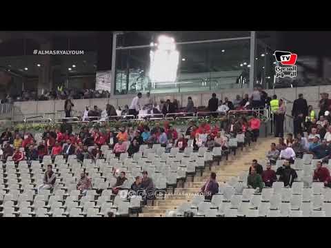 لحظة وصول العامري فاروق وخالد مرتجي لمتابعة مباراة الأهلي والوصل فى البطولة العربية