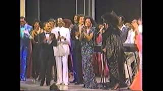 Diana Ross & Patti Labelle - I Wanna Know What Love Is (Live @Apollo Theatre 1985)