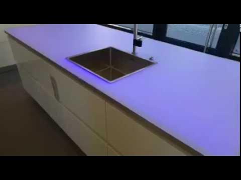 Küchen Arbeitsplatte ESG 12mm Weissglas satiniert non scratch LED von Odenwaldglas
