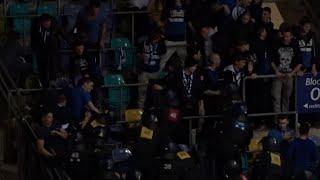 preview picture of video 'Schlägerei Hallenturnier Frankfurt Cup 2015: Grasshoppers Zürich Fans vs. Polizei'
