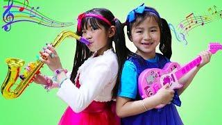 Emma & Jannie Pretend Play w/ Guitar & Saxophone Music Toys & Sing Kids Songs Nursery Rhymes