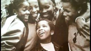 ZIGGY MARLEY & THE MELODY MAKERS - Children playing in the street (1982 Shanachie)