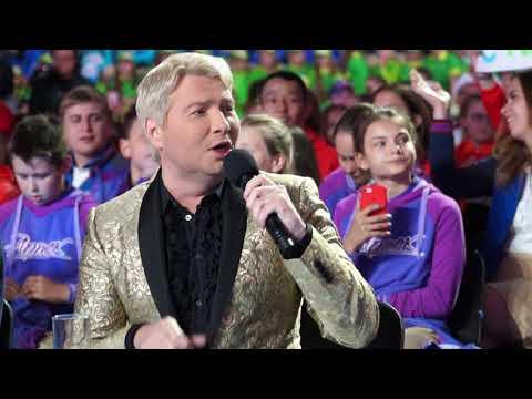 """""""Важней всего погода в доме, всё остальное ..."""" Николай Басков поёт песню Ларисы Долиной."""