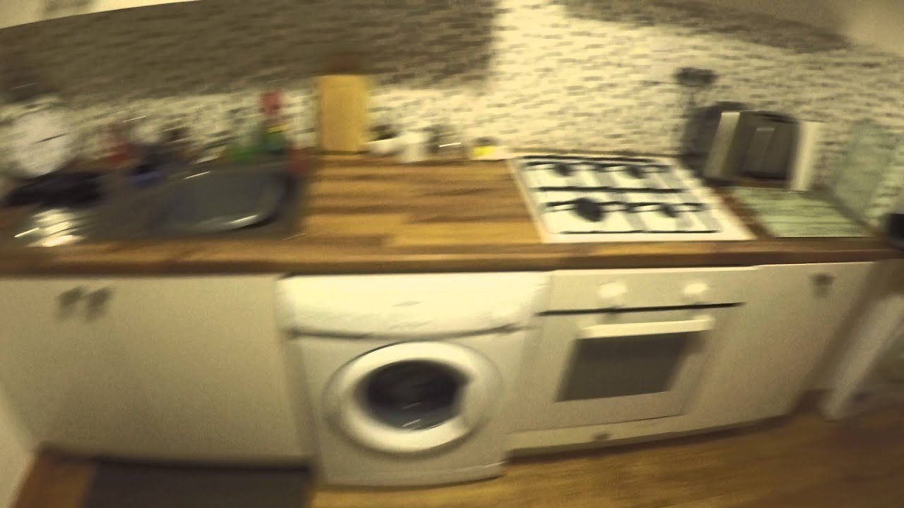 Double bed in Rooms for rent to students in flat - North Central Dublin - females only