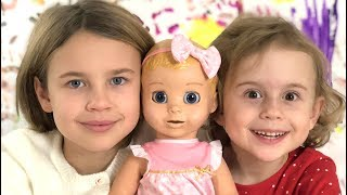 Ксюша Потоцкая и Алиса игра с куколкой. Кукла Лувабелла -  как настоящая сестрёнка! Видео для детей!