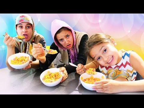 Fındık ailesi. Selin Ayşe ve Asiye için kahvaltı hazırlıyor. Çocuk videoları
