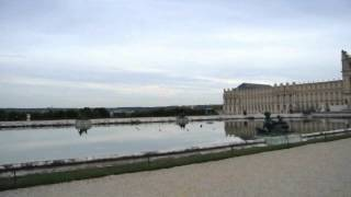 preview picture of video 'Outside of the Chateau de Versailles'