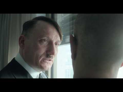 Adolf Hitler und der Laubbläser